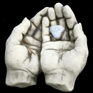 hands-297919__340